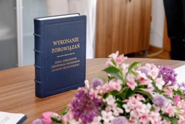 Uroczystość wręczenia Księgi Jubileuszowej prof. dr. hab. Adamowi Brzozowskiemu