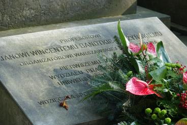 Złożenie kwiatów na grobie prof. Jana Wincentego Bandtkie-Stężyńskiego